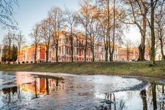 叶尔加瓦宫殿或Mitava宫殿在拉脱维亚 库存照片