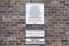 司机负责对汽车内容对偷窃或损失标志负责由管理 免版税库存图片