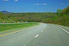 司机` s视图魁北克高速公路10 免版税库存图片