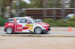 司机Quentin吉尔伯特和他的共同司机赫诺・塞尚Jamoul的WRC汽车在萨洛角,西班牙 库存照片