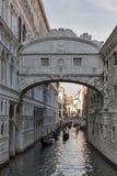 叹气桥梁在共和国总督` s宫殿的,在威尼斯,意大利 库存图片