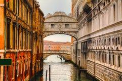 叹气桥梁在威尼斯,意大利 免版税库存照片