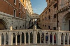 叹气桥梁在威尼斯 免版税库存照片