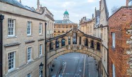 叹气桥梁鸟瞰图在中央牛津,英国 库存图片