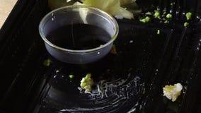 吃与筷子的日本寿司 股票视频