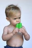 吃冰棍儿小孩 库存照片