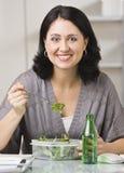吃午餐妇女 库存图片