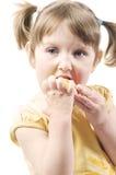 吃女孩的苹果 免版税图库摄影