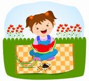 吃女孩西瓜的婴孩 免版税库存照片