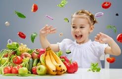 吃新鲜水果 图库摄影
