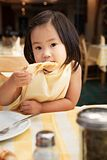 吃比萨 免版税库存图片