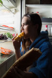 吃食物妇女 免版税库存图片