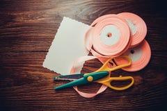 各种各样的丝绸丝带 免版税库存照片