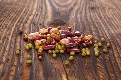 各种各样的健康豆类 图库摄影