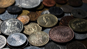 各种各样的几年罗马尼亚人硬币美好的软的混合背景  免版税图库摄影