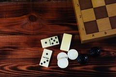 各种各样的棋棋盘,纸牌,多米诺 库存照片