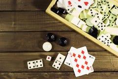 各种各样的棋棋盘,纸牌,多米诺 免版税图库摄影
