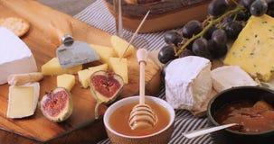各种各样的法国和英国乳酪 免版税图库摄影