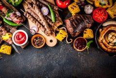 各种各样的烤肉格栅食物 图库摄影
