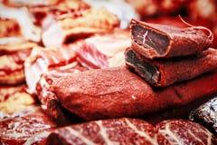 各种各样的肉纤巧,烟肉,香肠,火腿 免版税库存图片