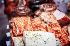 各种各样的肉纤巧,烟肉,香肠,火腿 库存图片
