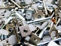 各种各样的螺丝,坚果,螺栓,洗衣机,盖帽特写镜头  免版税库存照片