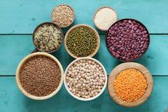 各种各样的谷物豆,扁豆,米, kinoa 免版税库存照片