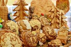 各种各样的面包店产品的陈列 库存照片