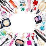 各种各样的水彩装饰化妆用品框架  构成产品 皇族释放例证