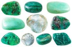 各种各样的绿色绿玉和蓝绿色宝石 免版税库存照片