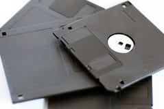 各种各样老过时3移动软盘在白色 免版税库存照片