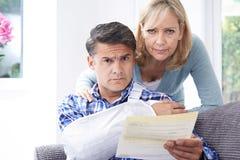 结合关于人` s伤害的读书信件 免版税库存照片