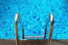 合并台阶游泳 免版税图库摄影