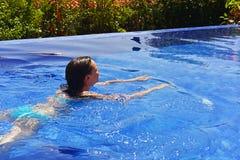 合并游泳妇女年轻人 免版税图库摄影
