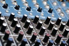 合理的控制台 音频搅拌器 库存图片