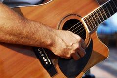 吉他弹奏者 图库摄影