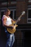 吉他弹奏者mcconnell米克 库存照片