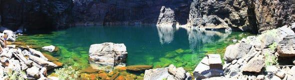 吉姆吉姆在卡卡杜国家公园,北方领土,澳大利亚跌倒 免版税库存图片