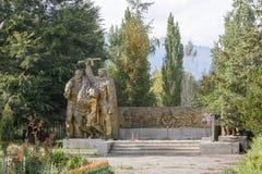 吉尔吉斯斯坦,伊塞克湖- 2016年8月18日:对英雄的纪念碑 免版税库存照片