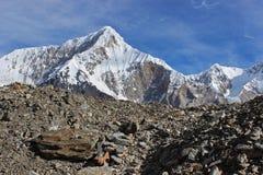 吉尔吉斯斯坦-高尔基峰顶6050m。 免版税库存照片
