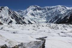 吉尔吉斯斯坦- Pobeda峰顶(托木尔峰) 7,439 m 库存照片