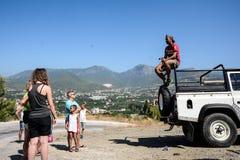 吉普徒步旅行队的探险家在土耳其 库存图片