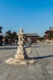 吉林wanshou寺庙石头灯笼 免版税图库摄影