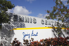 吉米外推网球中心大厦标志 免版税库存图片
