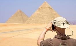 吉萨棉美妙的金字塔在开罗,埃及 库存照片