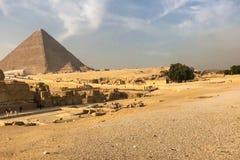 吉萨棉金字塔 埃及的极大的金字塔 世界的第七奇迹 古老巨石 免版税库存照片