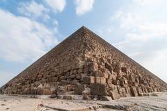 吉萨棉高原,开罗的埃及金字塔 免版税库存图片