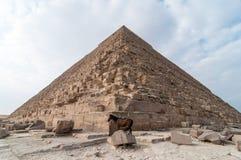 吉萨棉高原,开罗的埃及金字塔 免版税库存照片