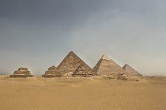 吉萨金字塔群 库存图片