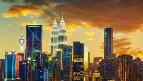 吉隆坡与都市摩天大楼的市地平线 免版税图库摄影